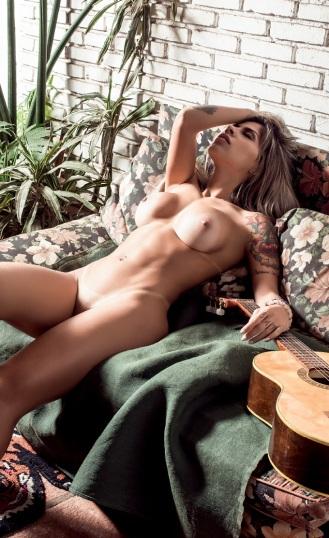 Vanessa Mesquita Perfecta